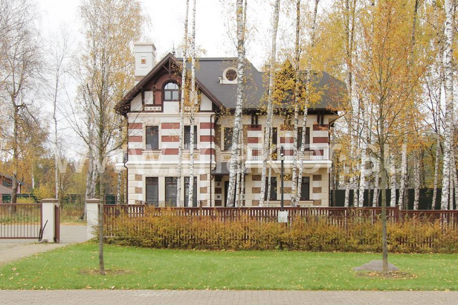 продается дом в новогорске